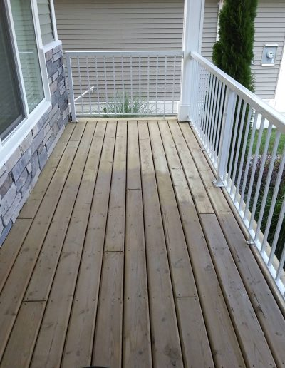 Deck-Sanding-&-Staining-BEFORE-Part-way-through-sanding-process